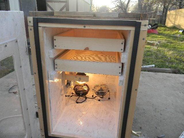 homemade cabinet incubator 011.JPG
