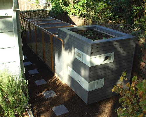 CREATOR: gd-jpeg v1.0 (using IJG JPEG v80), quality = 75 Mitchell Snyder's chicken coop combines the look of a modern prefab house with the green beauty of a rooftop garden. Located in Portland, Ore., the coop is big enough for five chickens . The coop has a large run covered with wire mesh fencing and perfectly complements the 1924 craftsman bungalow behind which it sits.