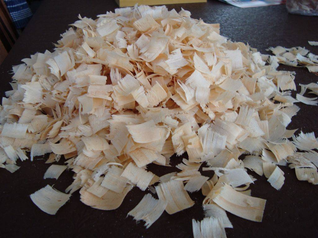 What type of pine shavings should I be looking for?  Big chips or 'shavings'?