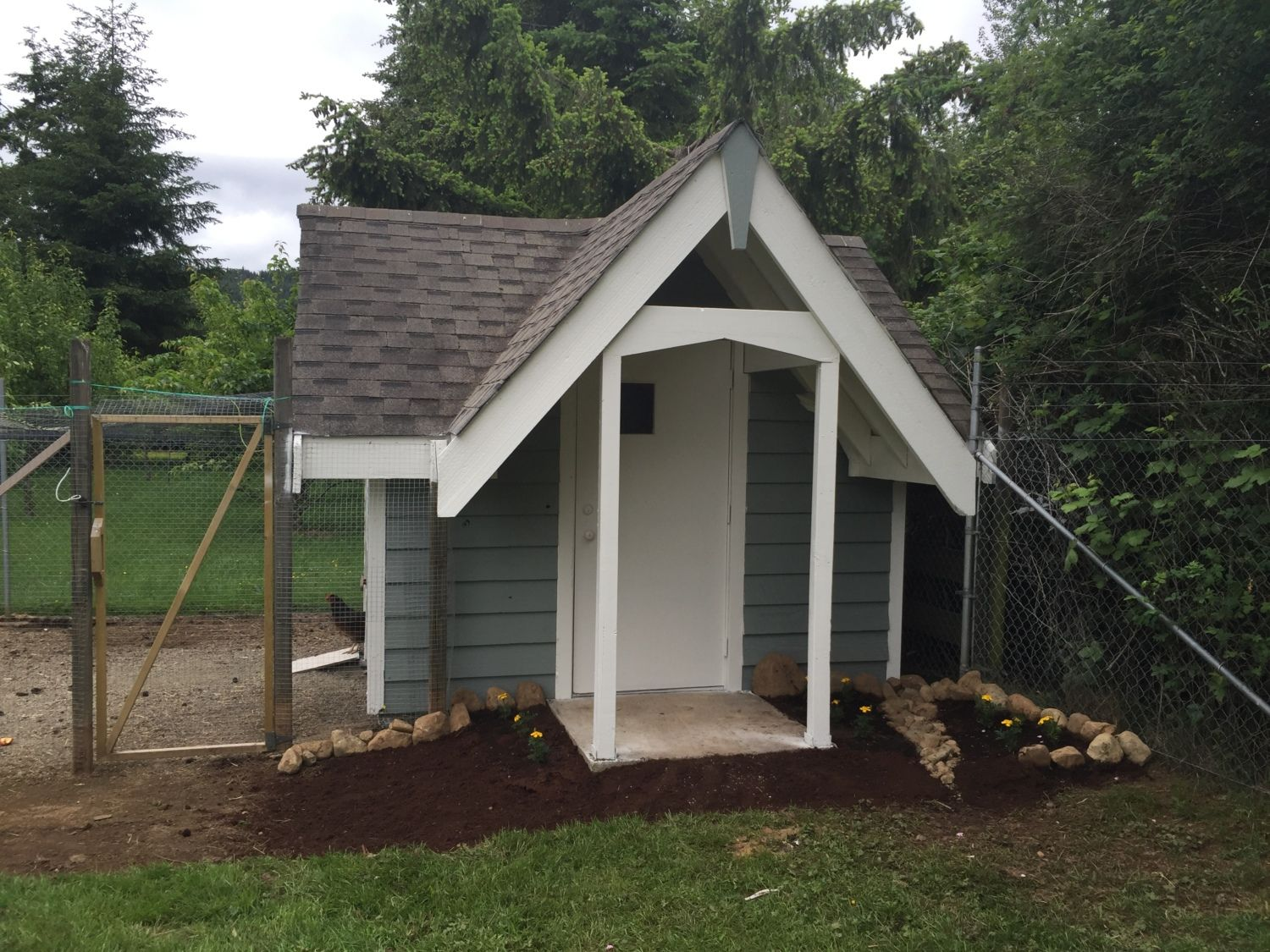 Our coop! Easy and clean maintenance :)