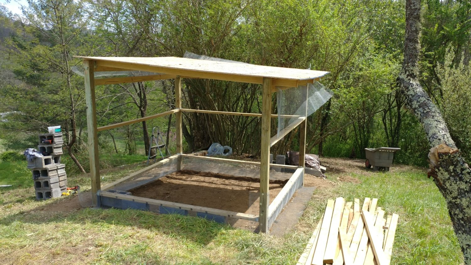 New Simple but Secure Chicken Coop