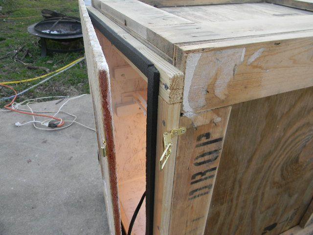 homemade cabinet incubator 005.JPG