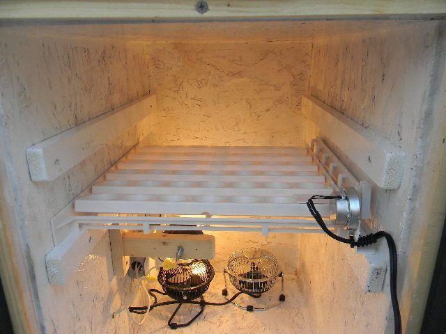 homemade cabinet incubator 008.JPG