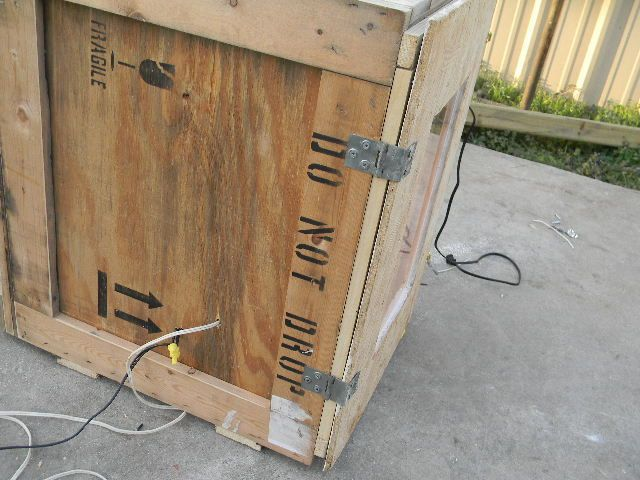 homemade cabinet incubator 004.JPG