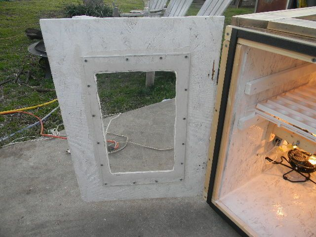 homemade cabinet incubator 006.JPG